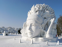 [143] Snow sculptors gather in Japan