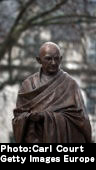 [154] People Who Threw Gandhi in Jail Give Him a Statue